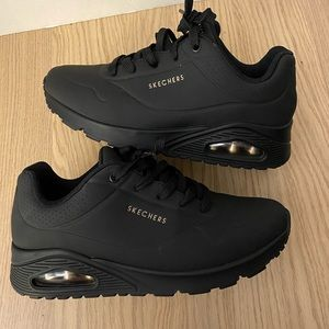 SKECHERS STREET™ UNO – STAND ON AIR SHOE